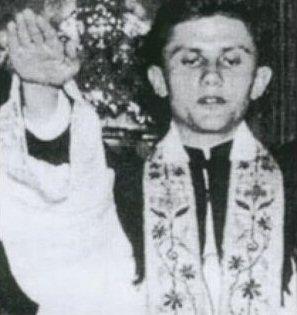 Seminarian Ratzinger offering Nazi salute